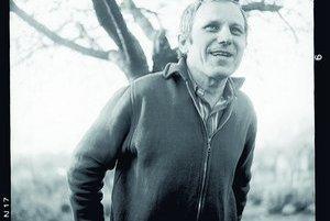 Rudolf Sloboda 1936 – 1995Prozaik, dramatik a scenárista.Napísal vyše tridsaťtri kníh –románov, zbierok poviedok,knihu básní, esejí i knihy pre deti.Medzi jeho najznámejšie diela patria: Narcis (1965), Britva (1967),Hlboký mier (1976), Rozum (1982