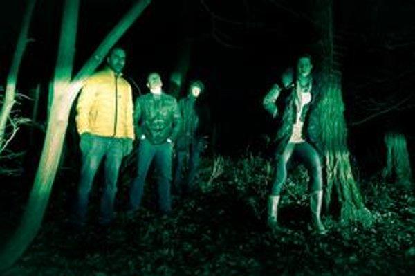 Oficiálna promo fotografia k albumu Háj & lov.
