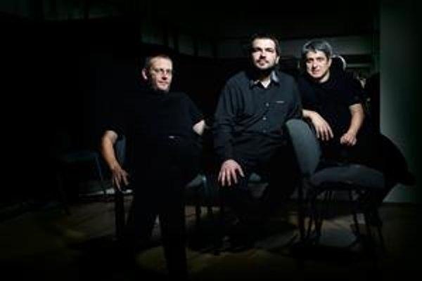 Triango boli doteraz len Boris Lenko (vľavo), Stano Palúch a Peter Breiner. Na novom CD a turné s nimi hosťujú dve exotické violončelistky.
