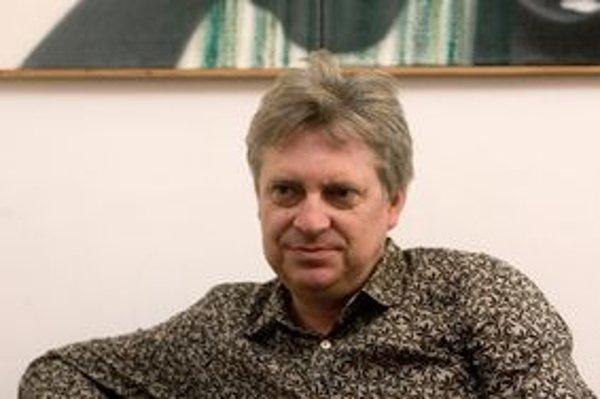 Ivan Jančár riaditeľom Galérie mesta Bratislavy je už 14 rokov. Pracuje v nej však už 27 rokov, najprv tu bol kurátorom pre grafiku, ilustráciu a kresbu a počas vysokoškolského štúdia aj nočným strážnikom.