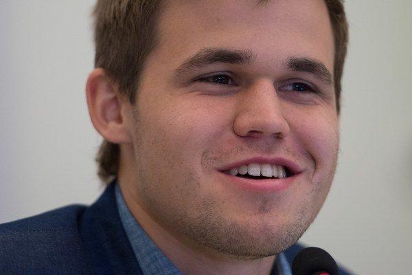 Magnus Carlsen (1990) Majster sveta v šachu. Titul získal v novembri 2013 ako druhý najmladší v histórii - Garri Kasparov, keď zdolal Anatolija Karpova, mal o pol roka menej. V trinástich rokoch už bol držiteľom titulu šachový veľmajster, ako najmladší
