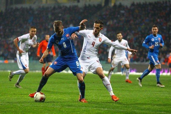 Ondrej Duda (v modrom) dal svoj prvý gól za národný tím proti Čechom.
