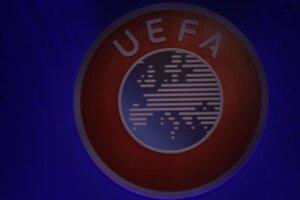 UEFA premiérovo nariadila opakovať časť zápasu po chybe rozhodcu.