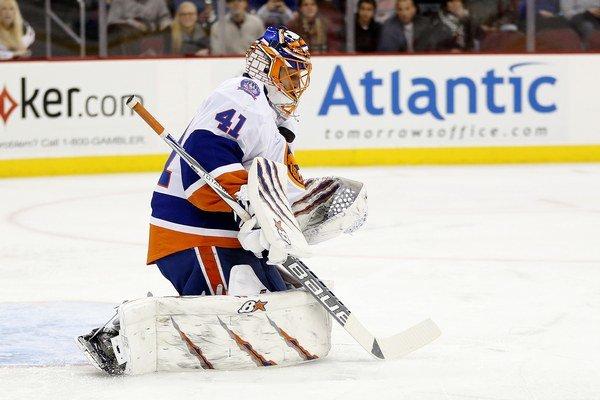 Jaroslav Halák pokračuje v drese New Yorku Islanders vo výborných výkonoch.