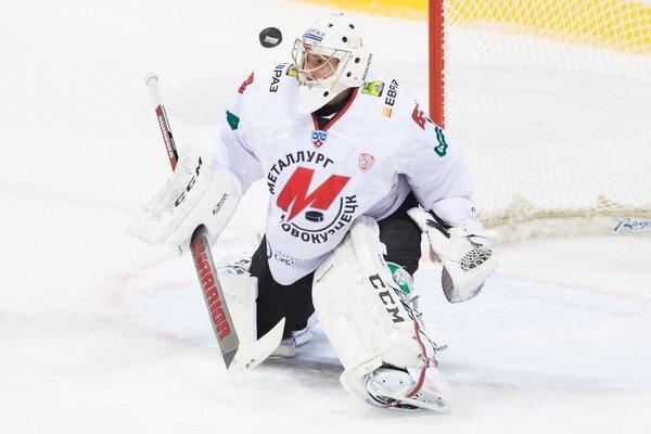 V bráne Novokuznecka nastúpil od začiatku stretnutia Rafael Khakimov. Duel napokon nedochytal, v 16. minúte ho po troch góloch vystriedal Andrei Kareyev.