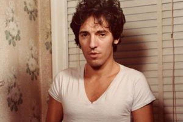 Bruce Springsteen v roku 1978, pri fotení obálky pôvodného albumu Darkness on the Edge of Town.