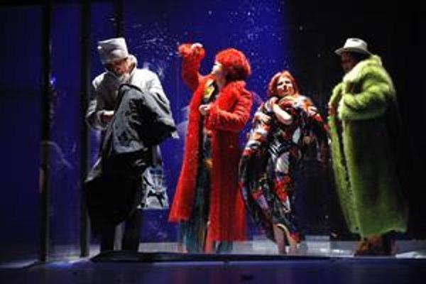 Mizantrop nezaujal len výpravnými kostýmami. Získal aj ceny za najlepšiu réžiu a scénografiu.