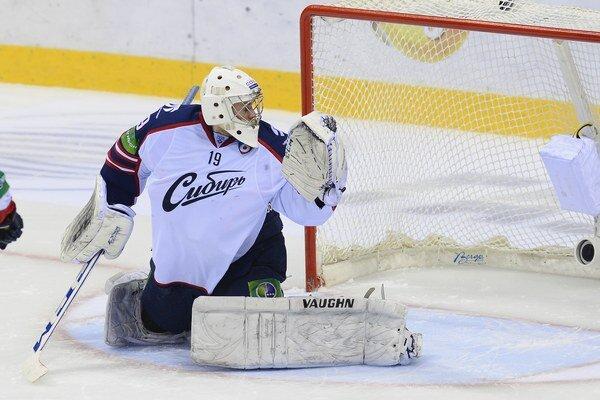 Brankár Mikko Koskinen ešte v drese Novosibirsku.