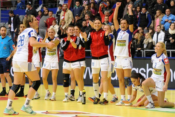 Slovenské hádzanárky vďaka víťazstvu nad Srbskom odohrajú na šampionáte ešte minimálne tri zápasy.