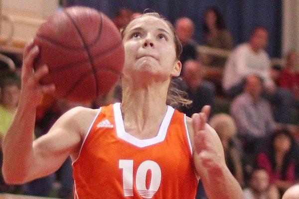 Basketbalistka Zuzana Lazárová dostala ocenenie pre najlepšieho športovca mesta za rok 2015.