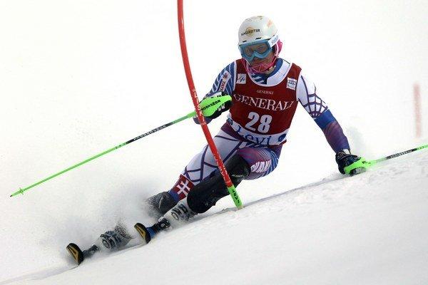 Slovenský lyžiar Adam Žampa v úvodnom slalome Svetového pohára vo fínskom Levi 16. októbra 2014.