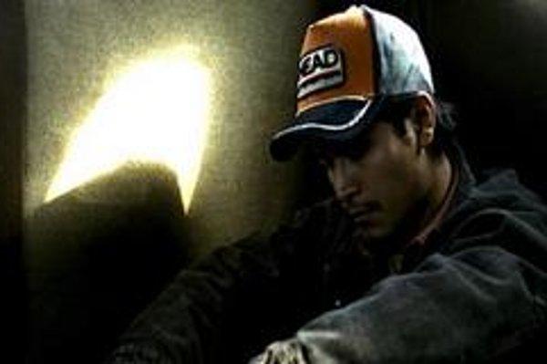 Záber z filmu Uviaznutí mexického režiséra Rigoberta Perezcana.