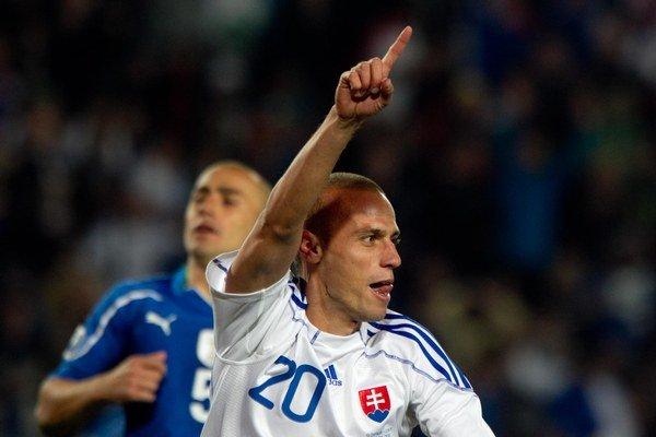 Kopúnek krátko po tom, ako strelil gól Taliansku na MS 2010.