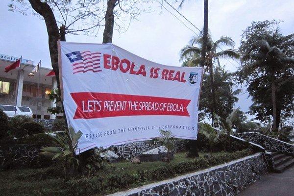 """""""Ebola je ozajstná,"""" hovorí varovanie v meste Monrovia v Libérii."""