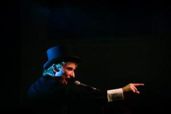 Spevák Koňyk priviezol v sobotu do bratislavského PKO svoju skupinu Zóna A v rámci turné k jej 25. výročiu.