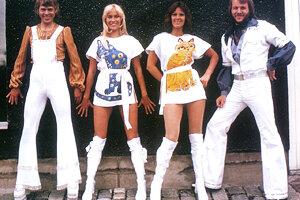 ABBA v roku 1975. Aj ich hologramy vyrazili v roku 2019 na turné.
