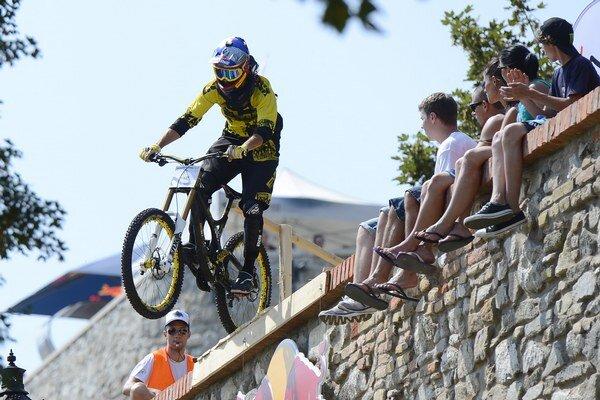 Filip Polc na trati vlaňajšieho mestského zjazdu Bratislava City Downhill.
