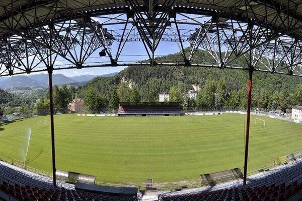 Štadión v Podbrezovej prejde rekonštrukciou.