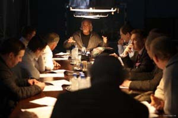 Nikita Michalkov, režisér i herec, je vo svojom filme 12 centrom a stelesnením ruskej nádeje.