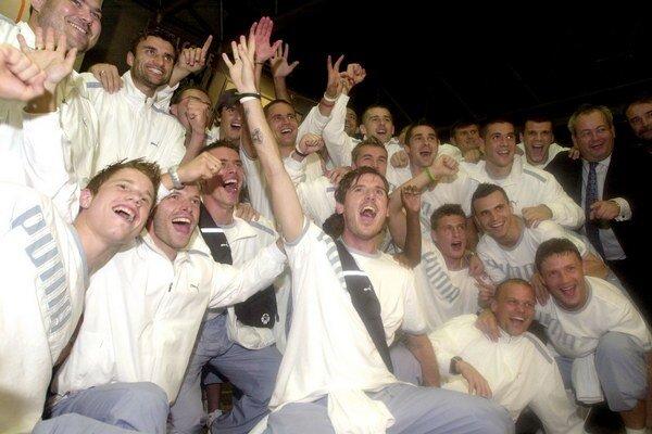 Futbalisti Artmedie zvíťazili 23. augusta 2005 v odvetnom zápase 3. predkola Ligy majstrov v Belehrade nad Partizanom 4:3 v rozstrele zo značky pokutového kopu a vybojovali si po 1. FC Košice ako druhý slovenský klub histórii postup do hlavnej súťaže.