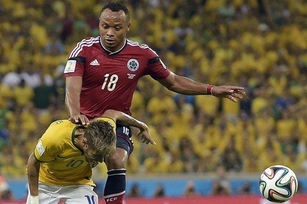 Zákrok Zunigu na Neymara.