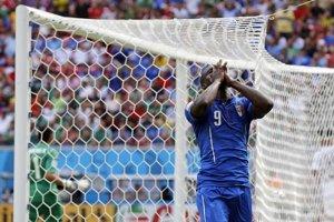 Mario Balotelli práve nepremenil šancu v zápase proti Kostarike.