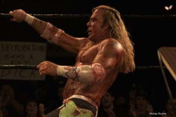 Mickey Rourke vo víťaznom filme Wrestler režiséra Darrena Aronofského.