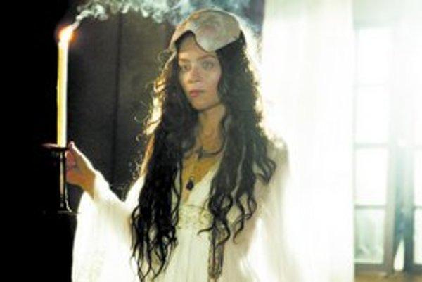 V Jakubiskovej Bathory stvárnila hlavnú postavu Anna Frielová.