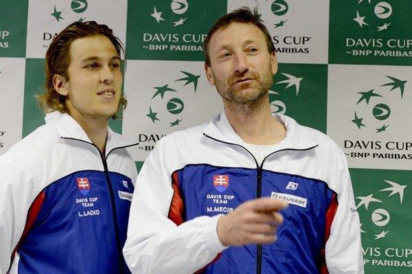 Lacko a Mečíř (vpravo).