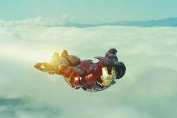 Hlavný hrdina amerického filmu Iron Man Tony Stark (Robert Downey jr.) si zalietal nadzvukovou rýchlosťou.