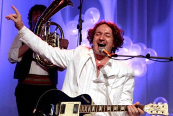 Juhoslovanský skladateľ a hudobník Goran Bregovič (na snímke) a jeho Wedding and Funeral Band vystúpili na festivale Oživené tance. Bratislava, 28. marec 2008.