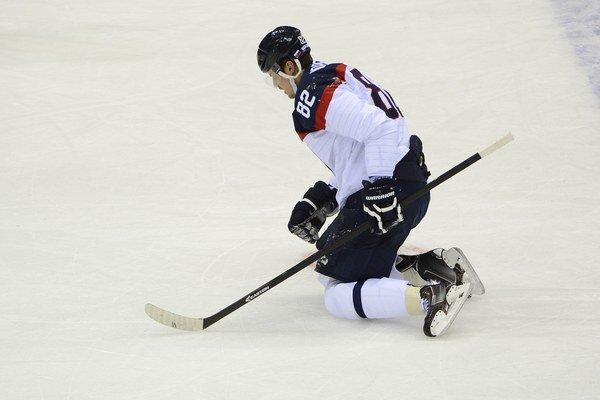 Hokejista Tomáš Kopecký na olympiáde v Soči utrpel otras mozgu.