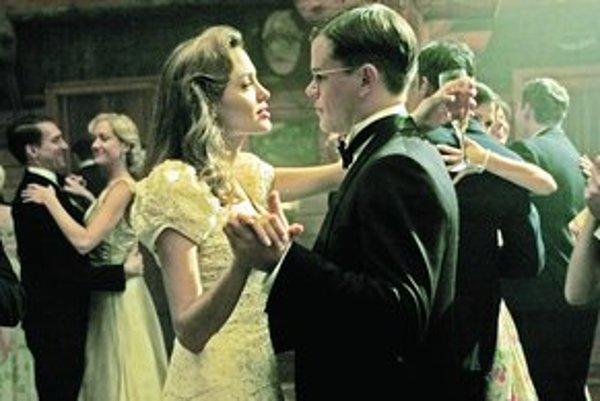 Matt Damon a Angelina Jolie vo filme Kauza CIA.