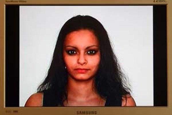 Tamara Moyzes a zábery z jej videa Miss Roma.