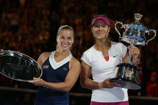 V prvom grandslamovom finále v živote Dominika Cibulková prehrala s Na Li 6:7 a 6:0.