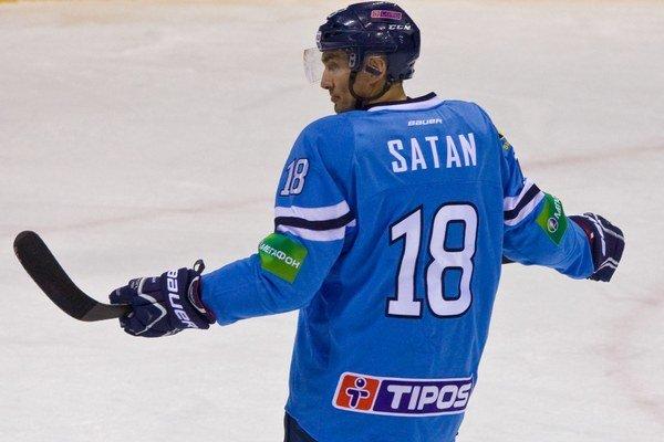 Miroslav Šatan nastúpil vo formácii s Liborom Hudáčkom a Brankom Radivojevičom.