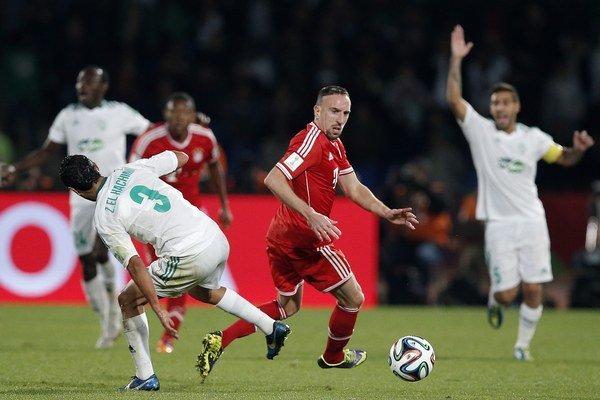 Bayern pokojne udržal dvojgólové víťazstvo. V červenom Fanck Ribéry.