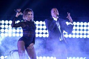 Beyonce a Jay-Z spievajú Drunk in Love.