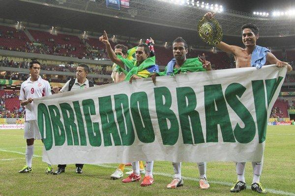 Hráči reprezentácie Tahiti na Pohári konfederácii v Brazílii v júni.