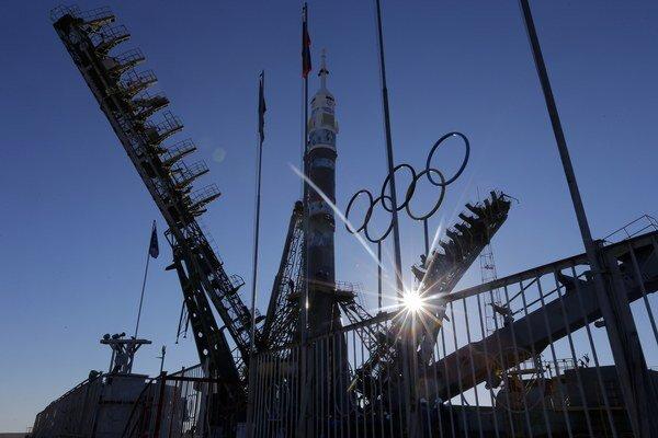 Pochodeň do vesmíru vyniesla raketa Sojuz.