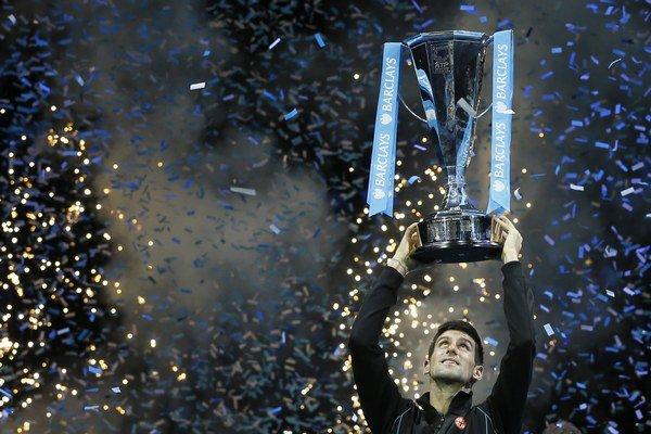 V Londýne Novak Djokovič vyhral ale v rebríčku je za Nadalom druhý.