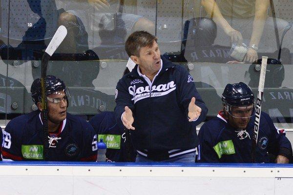 Tréner Rostislav Čada urobil vlani zo Slovana najefektívnejší tím v KHL, s malým rozpočtom postúpil do play off.