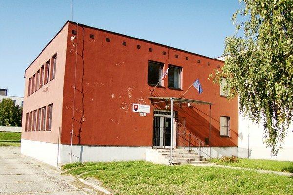 Modranský archív musia ľudia hľadať. Nachádza sa pri výjazde z Modry smerom na Šenkvice.