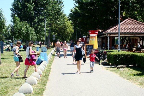Vstupné platia počas letnej turistickej sezóny všetci.