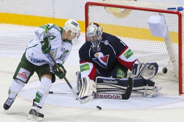 Slovan v zápase proti Ufe podržal výborne chytajúci Miroslav Kopřiva.
