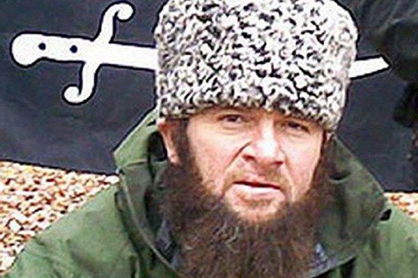 Na nedatovanej snímke z webovej stránky kavkazcenter.com vodca čečenských povstalcov Doku UmaroV, ktorý sa  prihlásil k zodpovednosti za samovražedné útoky v Moskve, pri ktorých 29. marca 2010 zahynuli desiatky ľudí. Umarov, ktorý sa označuje za emira Kau