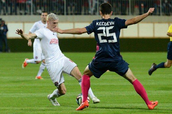 Ján Vlasko z Trnavy (vľavo) a Ivan Kecojevič z FC Zürich.