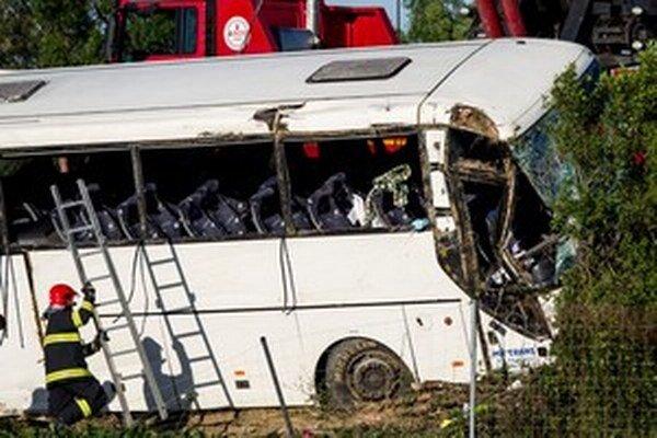 Autobus po havárií minulý týždeň.
