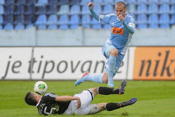 Lukáš Pauschek (vpravo) v drese Slovana.