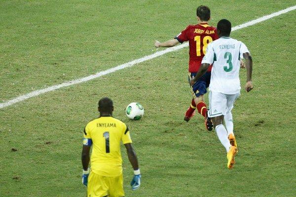 Jordi Alba dáva tretí gól Španielov.